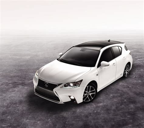toyota korea unveils new lexus ct200h