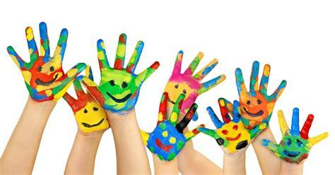 Nursery Or Childminder by 10 Atividades Criativas Para As Crian 231 As Fazerem Com Tinta