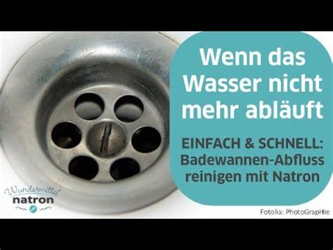 badewannen abfluss reinigen tipps tricks abfluss reinigen mit essig und backpulv