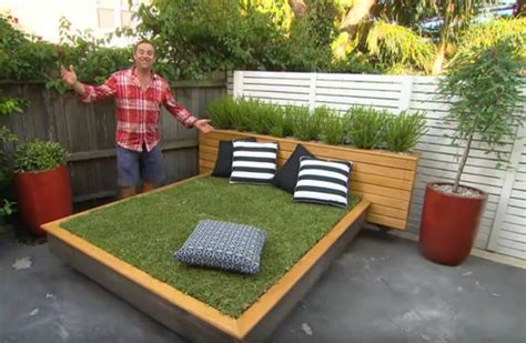 how to build a day bed how to make an amazing grass day bed