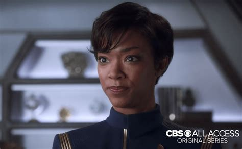 why does the actress on blacklist look different from star trek discovery cast reveals why the klingons look