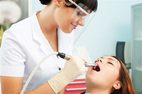 Cosmetic Dentist Brighten Your Smile With The Help Of Cosmetic Dentist Of