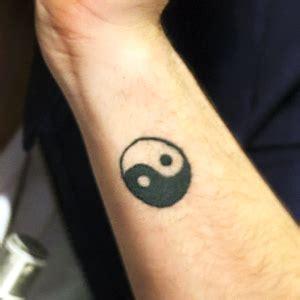 tattoo yin yang hand cute yin yang tattoo designs on hand png png tattoos