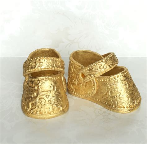 gold baby shoes gold baby shower shoes fondant baby shoes cake by