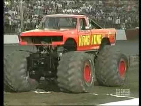 monster truck crash videos youtube monster truck crash that ends in a fire ball youtube