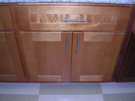 maple shaker kitchen cabinets rta cabinet broker 1r honey maple shaker 908 kitchen cabinets