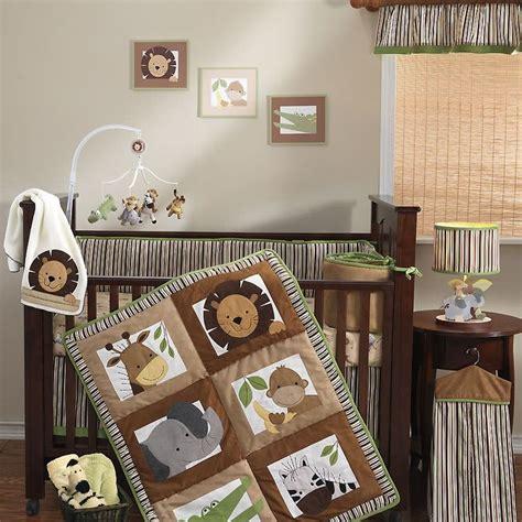 Safari Themed Nursery Decor 25 Best Ideas About Zoo Nursery On Animal Theme Nursery Childrens Animal Bedrooms