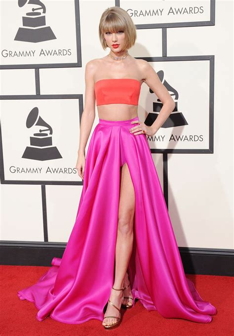 taylor swift 2016 grammys pink dress taylor swift at grammy awards 2016 in los angeles 02 15