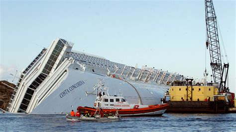 boat salvage floats giant airbags will be used to float the costa concordia