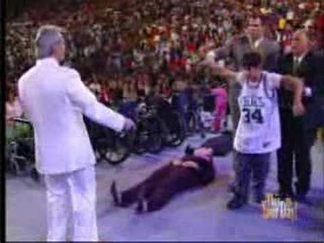 benny hinn prays for his in new york