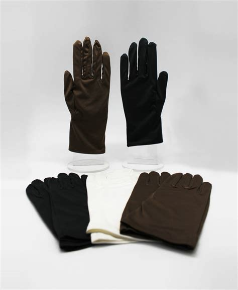 microfiber gloves for cleaning and polishing jewelry