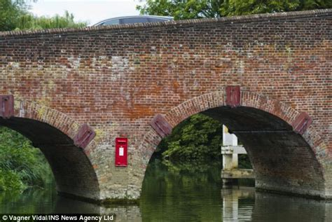 cassetta della posta inglese inghilterra il mistero della cassetta della posta piazzata