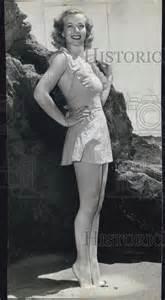 1951 press photo actress hillary brooke at the beach ebay