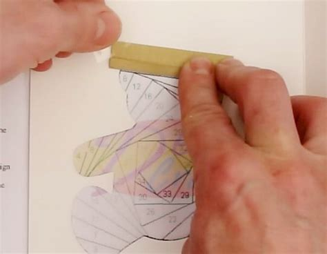 Iris Folding Paper Strips - learn how to do iris folding