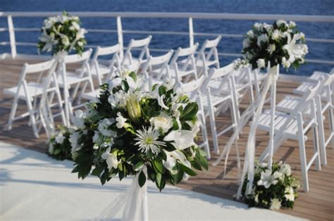 boat wedding decoration ideas wedding ceremony on a boat