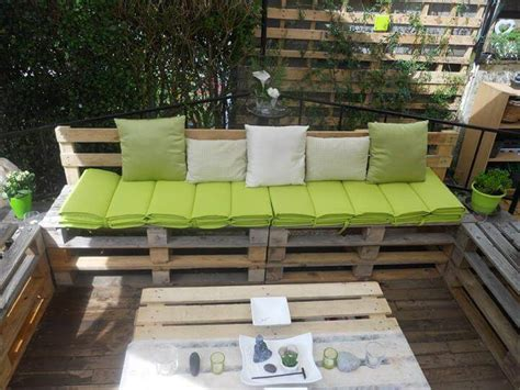 Diy Pallet Patio Furniture Pallet Deck How To Make Pallet Patio Furniture