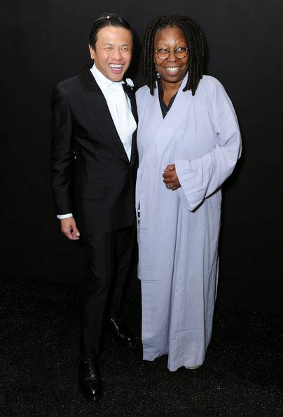 Whoopi Goldberg Boyfriend 2015 | whoopi goldberg pictures zang toi backstage mercedes