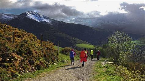 camino de santiago trail doc when to hike spain s el camino de santiago