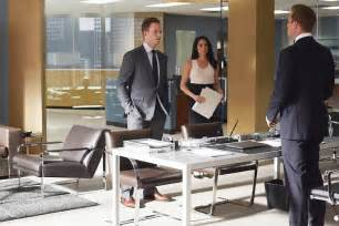 Desk L Harvey Specter Style Your Office Or Home Like Suits Harvey Specter Harvey Specter Apartment Office And