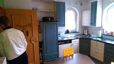 blaue küche dekor wohnzimmer regal dekorieren