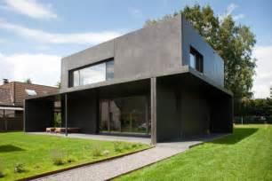 haus aus beton haus meyer in gro 223 munzel kleines schwarzes aus beton
