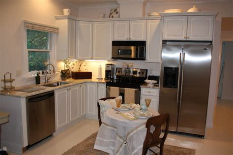 small traditional kitchens small space makeover