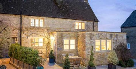 cottage hire cotswolds character cottages self catering