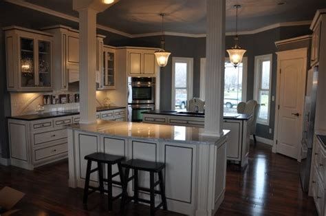 kitchen islands with columns