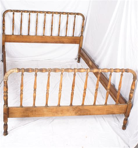 spindle bed jenny lind style full size worn finish adaptable