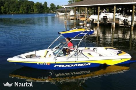 speed boat rentals near me rent the perfect speed boat for a wakeboarding day in the