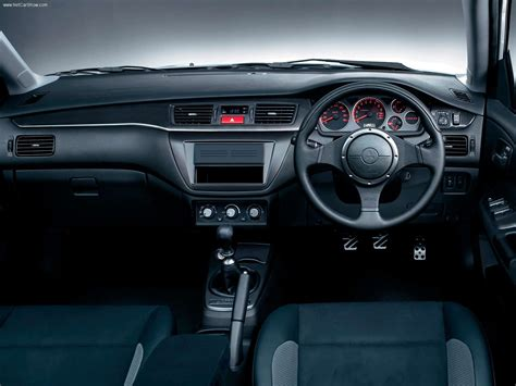 Lancer Evo 4 Interior by Mitsubishi Lancer Evolution Wagon Gt 2005 Picture 4 Of 5