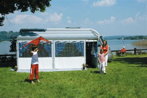 Fiamma Wind Out Awning by Fiamma Privacy Room Fiamma Zip Privacy Room F45 Saffari Room