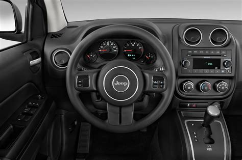 jeep compass 2016 interior 2016 jeep compass reviews and rating motor trend