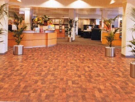 piastrelle sughero prezzi posa in opera pavimenti in sughero pavimentazioni