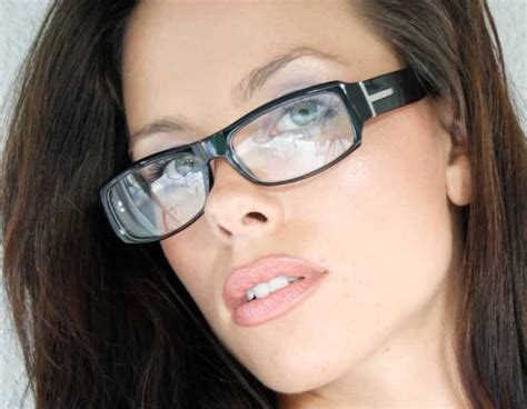 the clear frame glasses trend designer fashion style clear lenses thick frame women men
