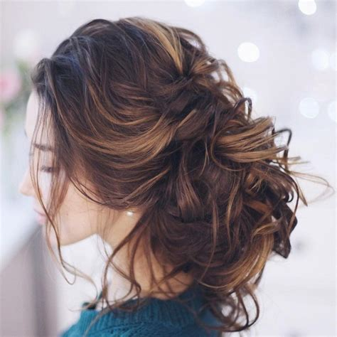 Wedding Hairstyles For Thin Curly Hair by 1000 Ideas About Medium Wedding Hairstyles On