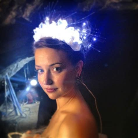 light up rock l hair accessory kellcore milana vayntrub att heavy