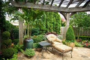 Landscape Design For Small Spaces Big Ideas In Small Spaces Traditional Landscape