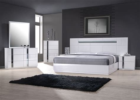 Exclusive Wood Contemporary Modern Bedroom Sets Two Of The Modern Furniture Set