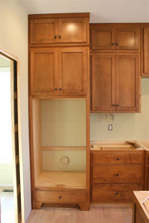 Knotty Pine Kitchen Cabinet Doors by Building Woodworking Projects Plans For Oven Cabinet