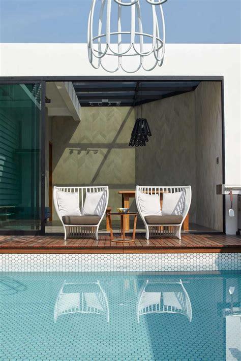 desain lu outdoor project na residence desain arsitek oleh alvin tjitrowirjo