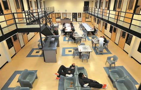 madison county housed inmates franklin county inmates once again going to somerset county jail central maine