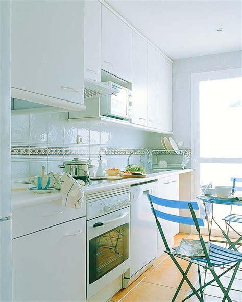 cocina por dos cocinas peque 241 as con planos mi casa