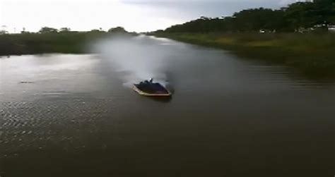 fast homemade boat loud homemade very fast speed boat wow video ebaum s