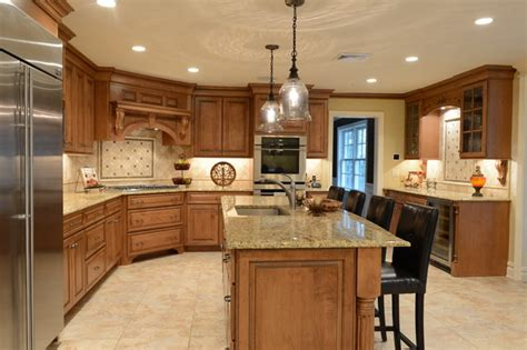 maple finish kitchen cabinets beautiful maple with a stain glaze finish italian granite