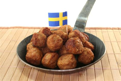 Meatball Di Ikea how ikea is fighting climate change with meatballs brit co