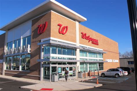 walgreens home 28 images pharmacy technician admits to