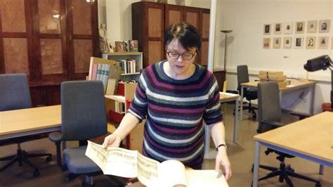 Kort Hår Kvinna by Johan Gadolins Unika Bibliotek Kan F 195 165 V 195 164 Rldsminnesstatus