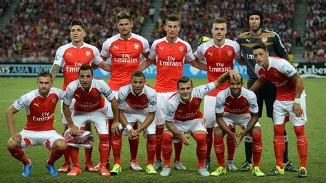 arsenal team petr cech praises extraordinary team spirit at arsenal