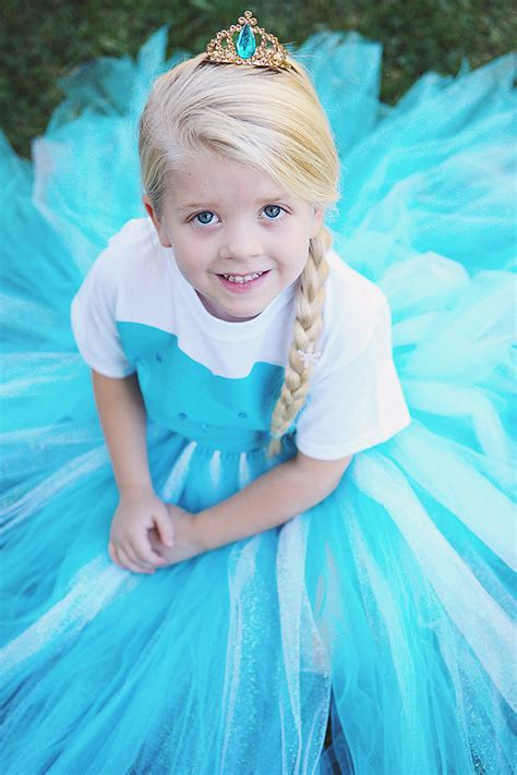 Elsa Costume Handmade - diy no sew elsa costume eighteen25